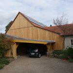 Carport und Fassade aus Holz
