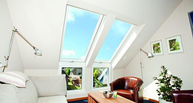 Wohndachfenster mit Fassadenanschluss Roto